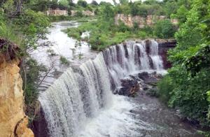 Cowley State Lake Waterfall 2